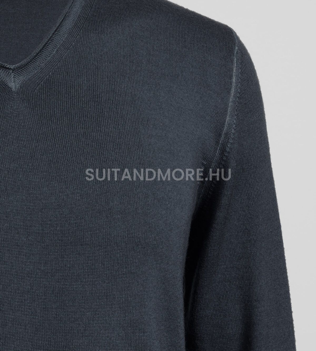 digel-sotetszurke-modern-fit-v-nyaku-gyapju-pulover-fabrizio1-1-1288001-40-02