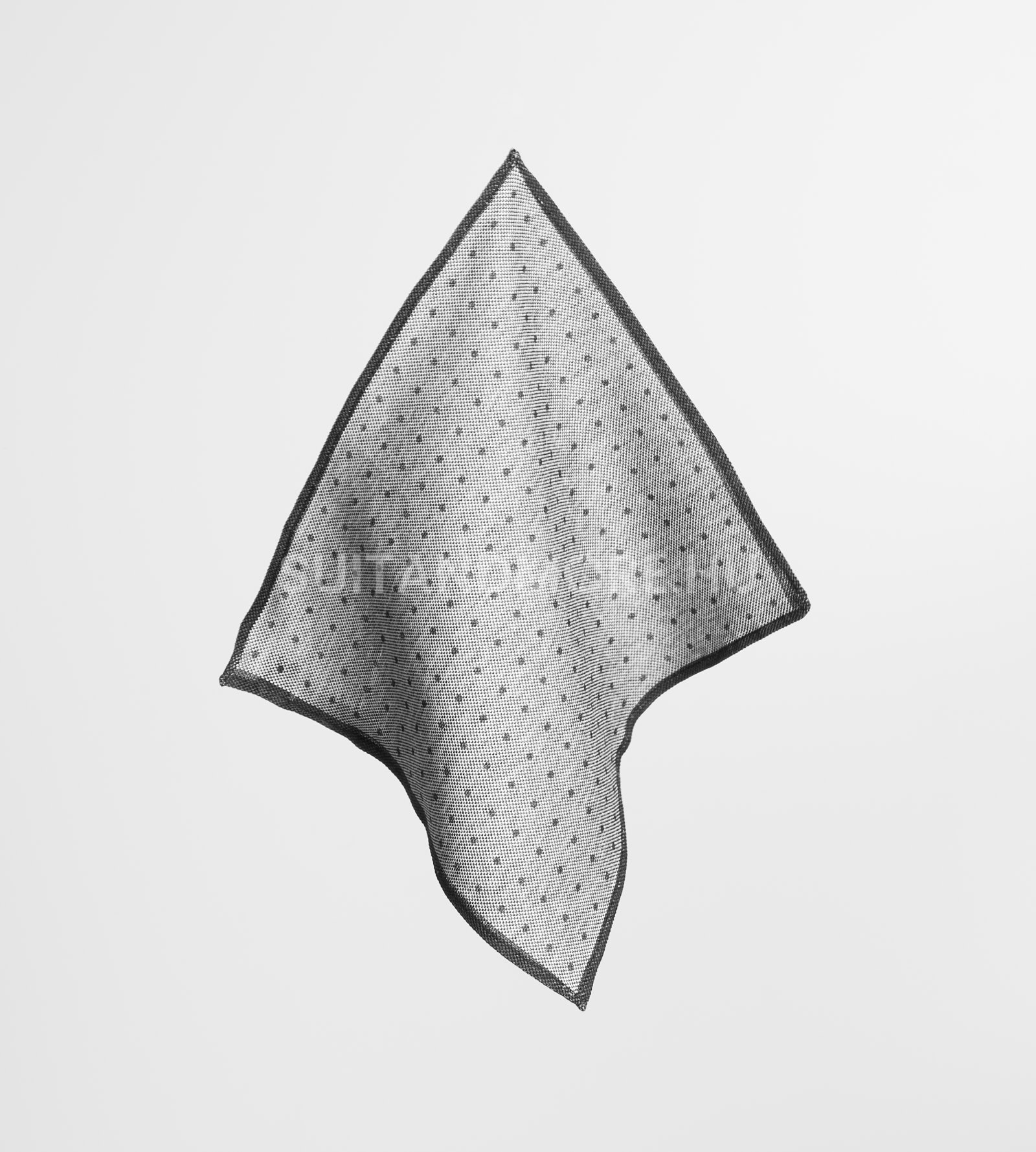 digel-szurke-pottyos-pamut-diszzsebkendo-gabor-1179115-45-01