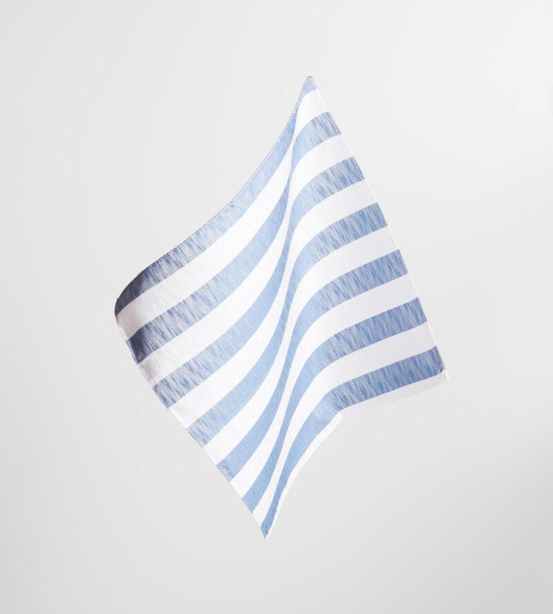 digel-kek-feher-csikos-selyem-diszzsebkendo-gabor-1179102-24