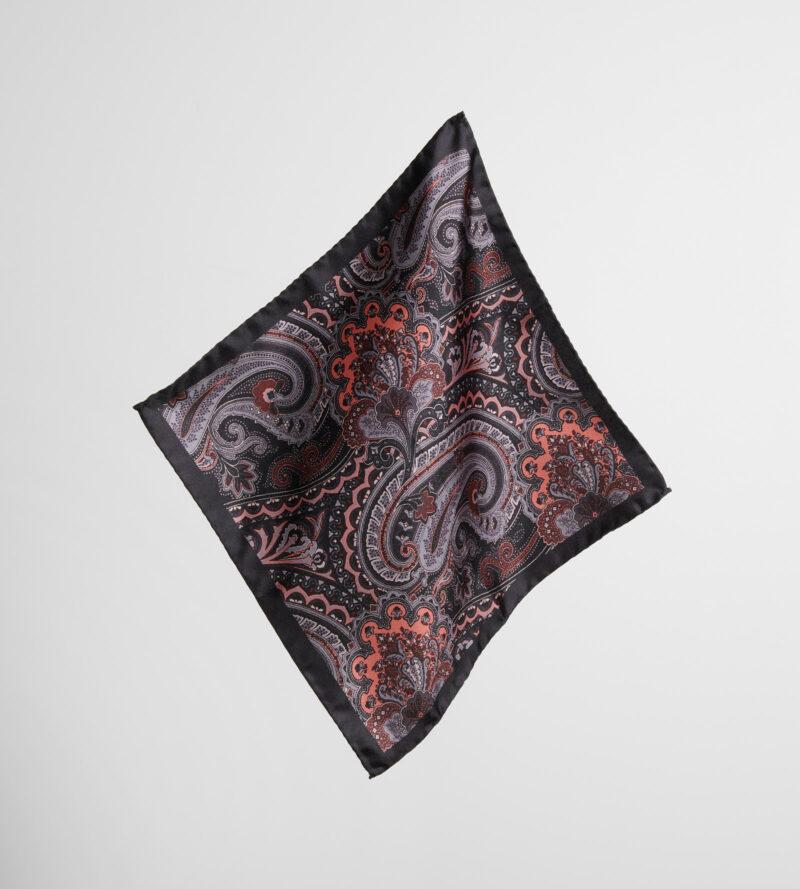 digel-piros-fekete-paisley-mintas-selyem-diszzsebkendo-gabor-1299114-61