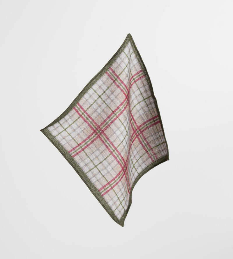 digel-zold-kockas-gyapju-diszzsebkendo-gabor-1269110-50