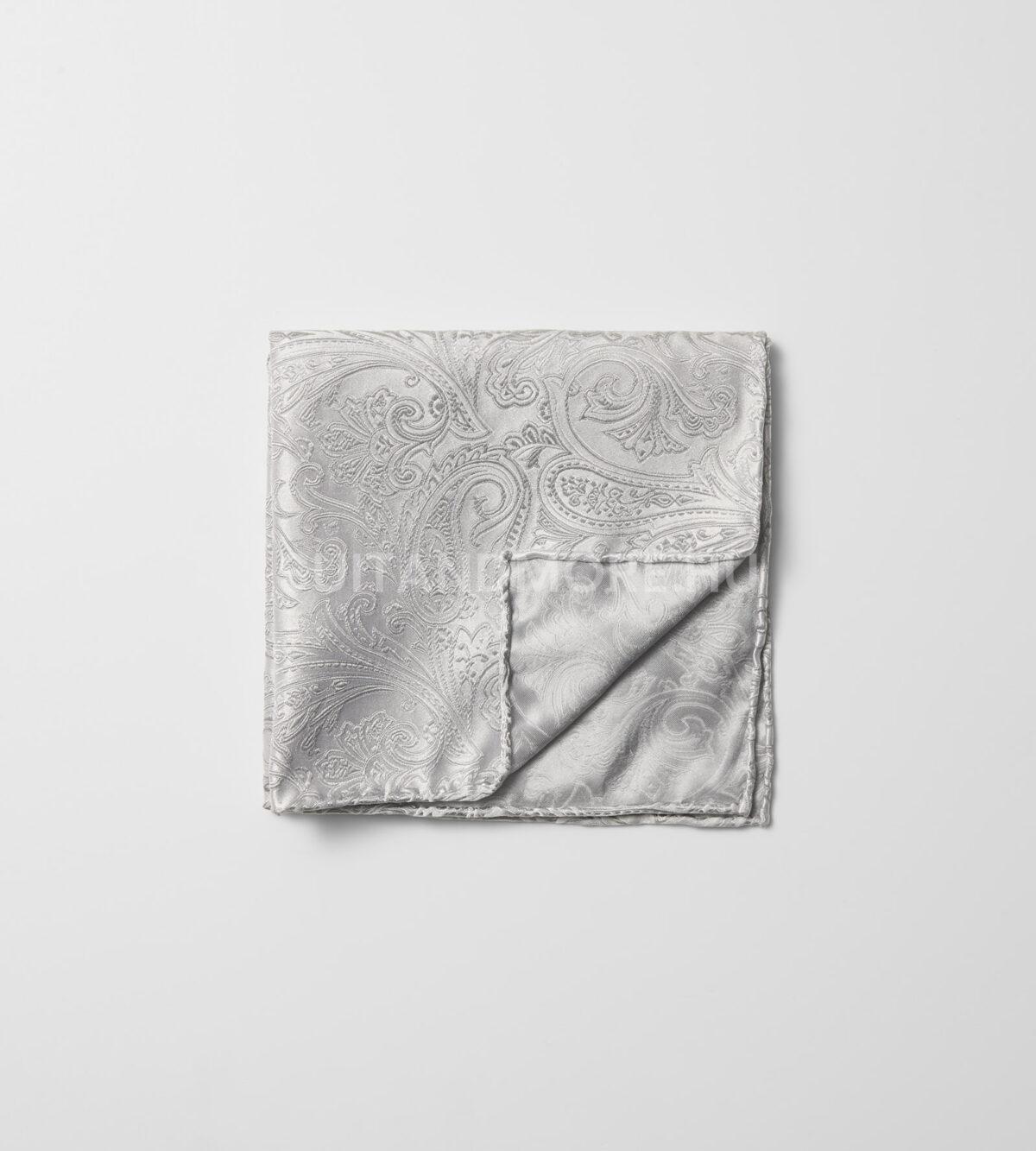 olymp-ezust-paisley-mintas-selyem-diszzsebkendo-1760-31-63-02